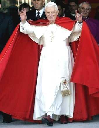 Pope_Ratzinger_handsign2-20-09.jpg