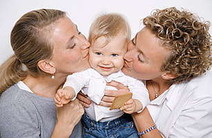 lesbian_couple_0604.jpg
