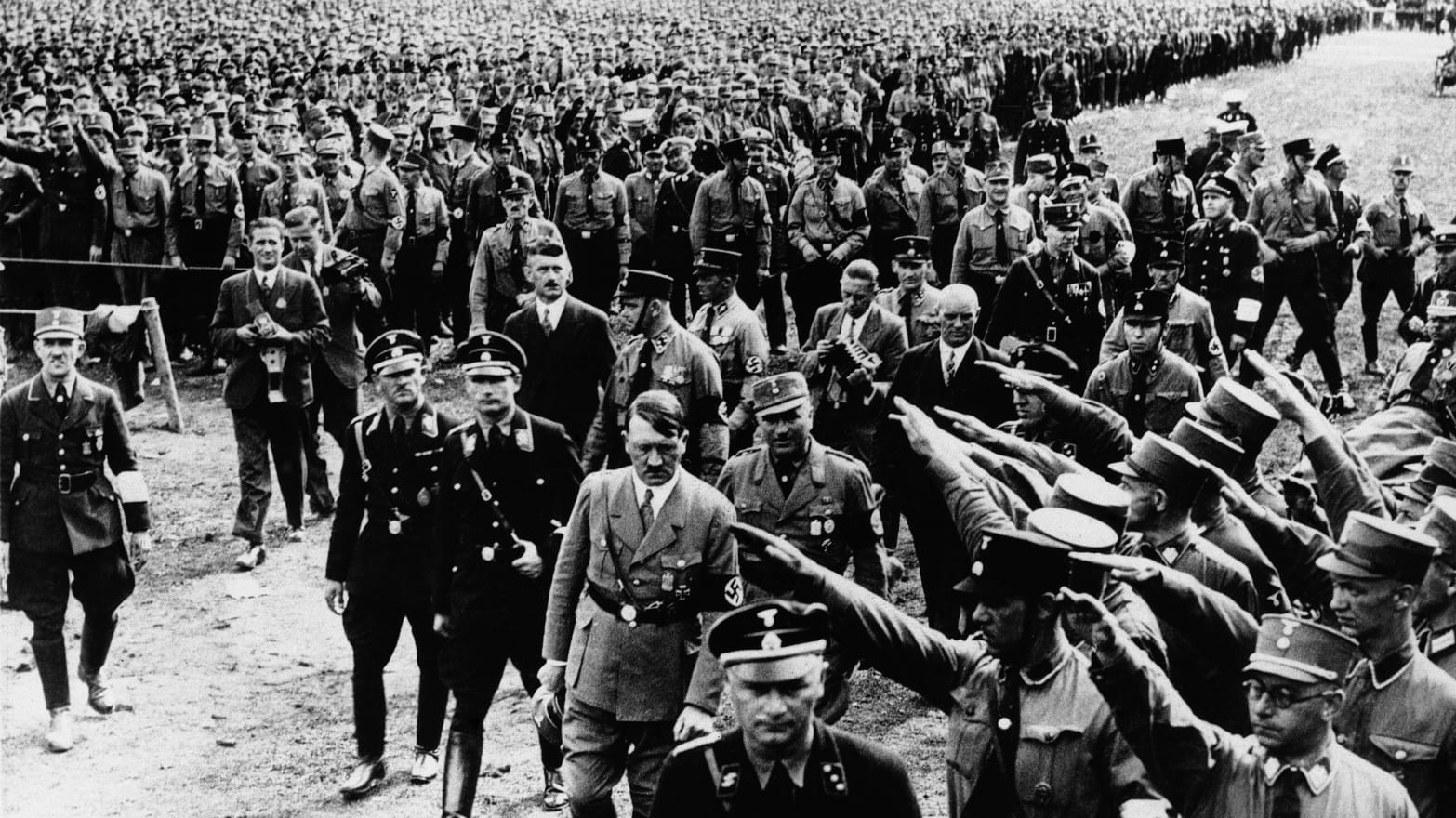 130508-Schillinger-Nazis-tease_qa3epn.jpeg