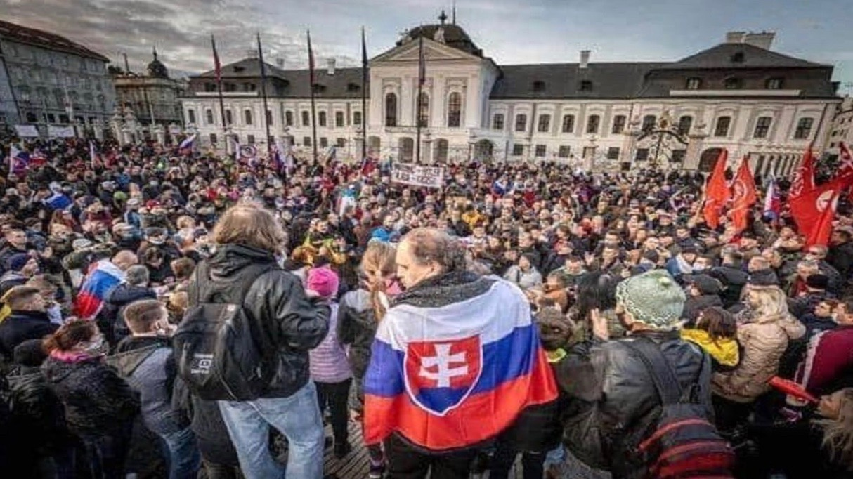 19-11-Slovak-Protests.jpg