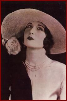 1925_the_Gibson_Girl_Hat.jpg