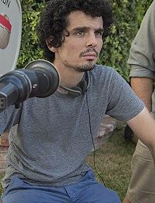 220px-Damien_Chazelle_directing_La_La_Land_(cropped).jpg
