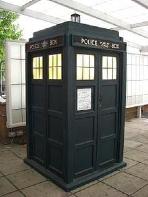 220px-TARDIS1.jpg