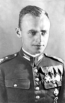 220px-Witold_Pilecki_1.JPG