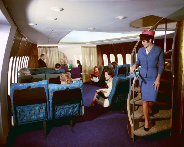 Boeing 747 stairs.jpg