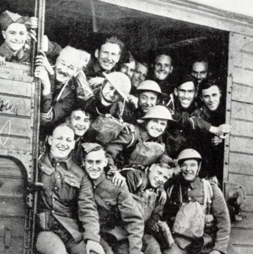 British_soldiers_in_good_humour_as_they_leave_to_take_up_their_positions_at_the_Front_small.jpg