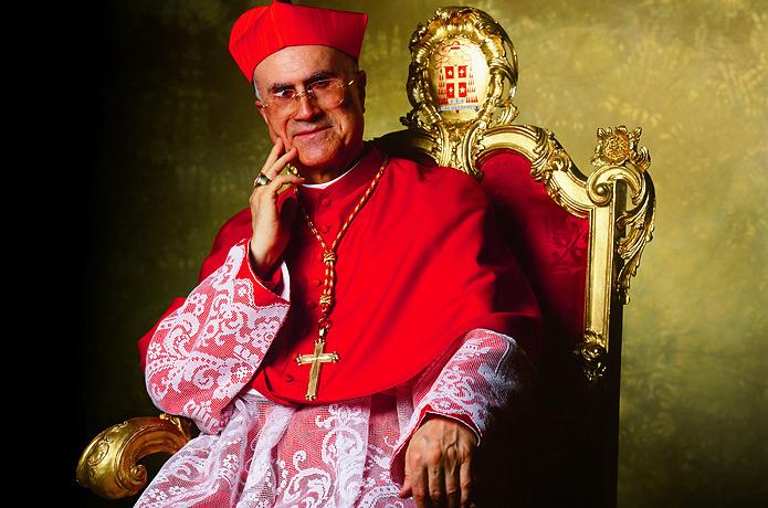 Cardinal Tarcisio Bertone (1).jpg