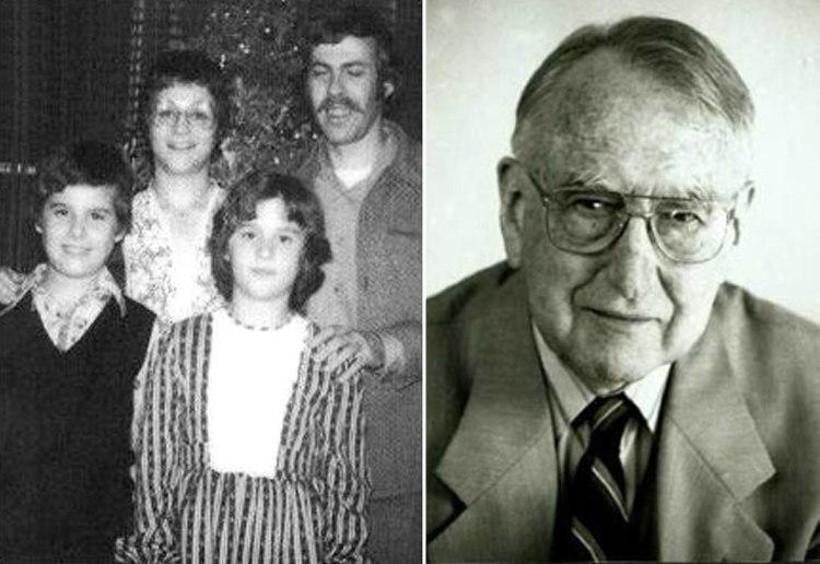 David-Reimer-and-Family-and-John-Money.jpg
