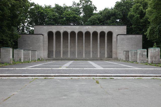 Ehrenhalle Nurnberg.jpg