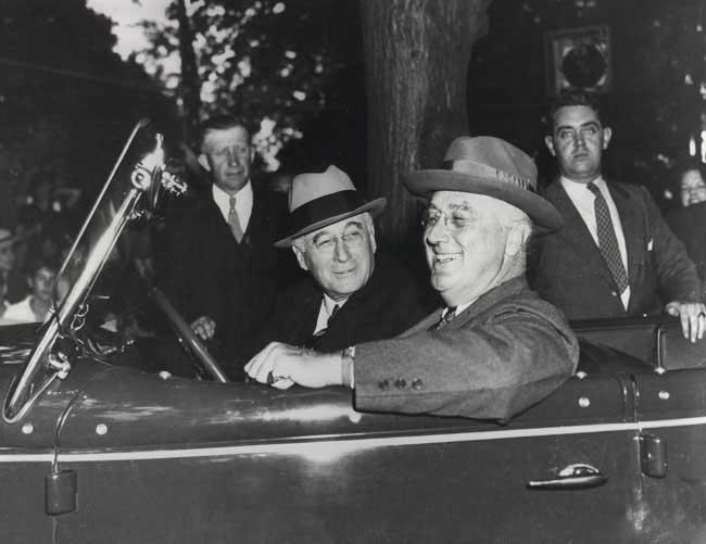 Franklin-D-Roosevelt--Bernard-Baruch.jpg