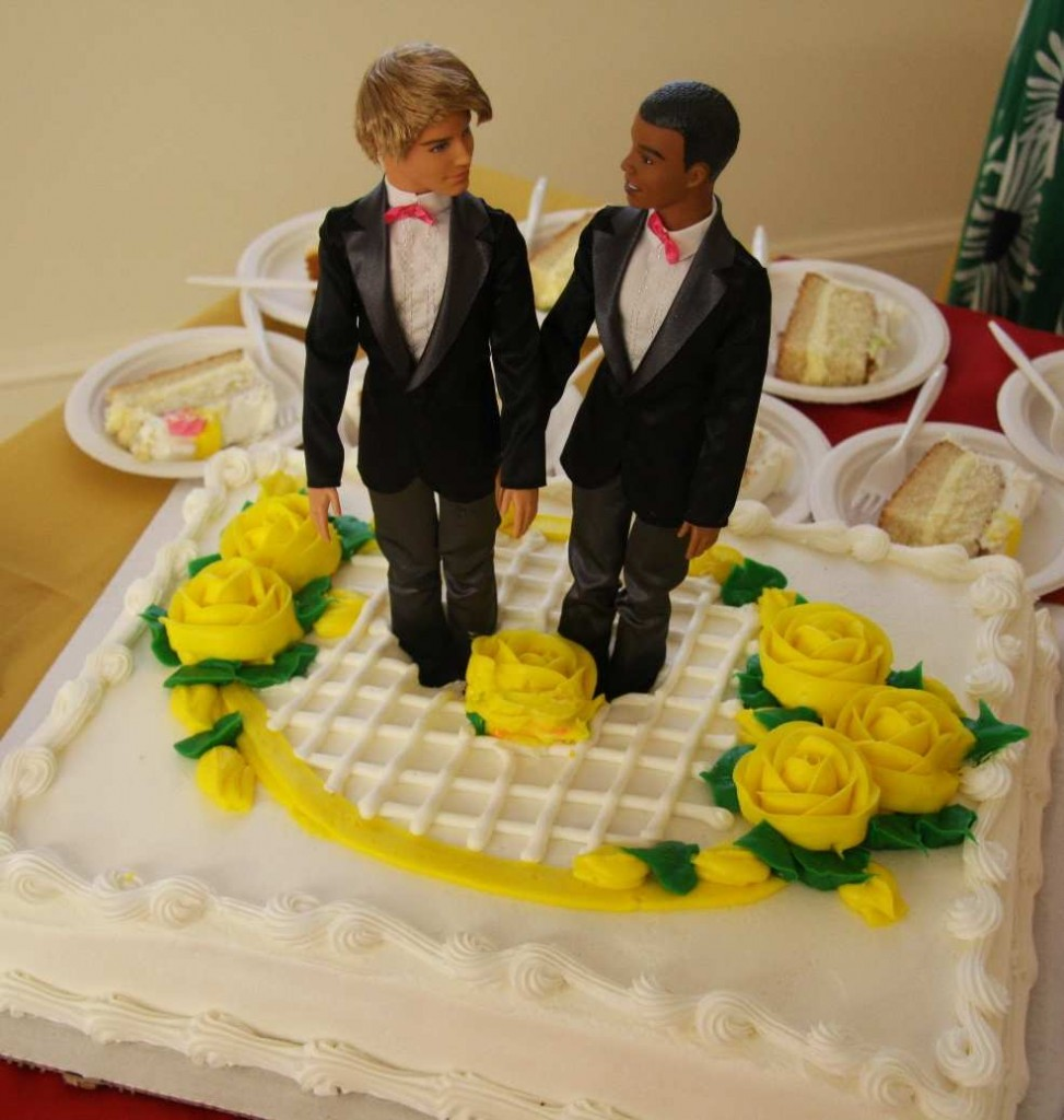 Wedding Cake Ideas For Gay Wedding : Gay Wedding Cake Ruling is Christian Persecution Strange