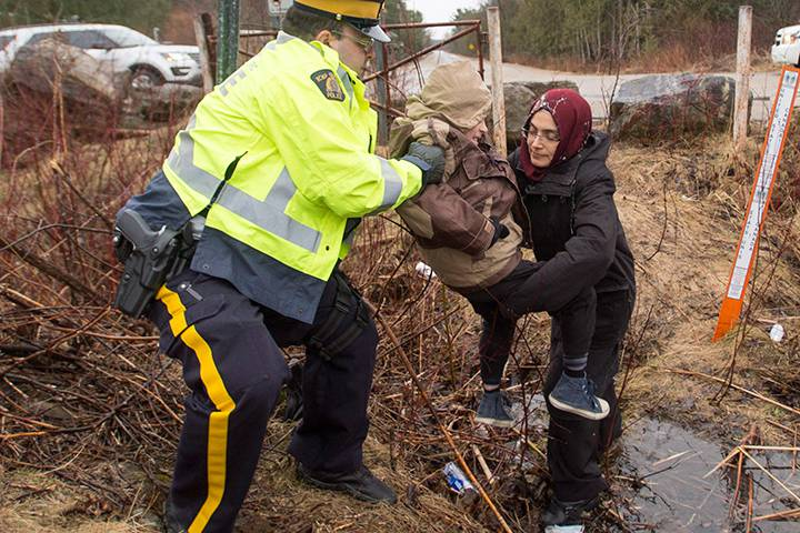 asylum-seekers-canada-border.jpg