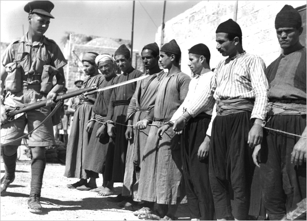 british-soldierspalestinian-prisoners-during-revolt (1).jpg