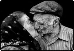 cdb360f1f39e722817a9330b94c131c8--old-people-love-beautiful-people.jpg