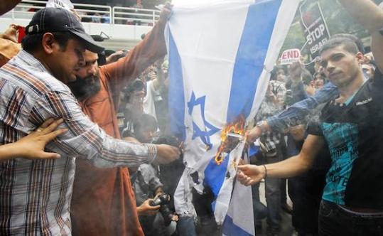 isr_flag-burning-prag_72414_539_332_c1.jpeg