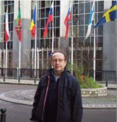 les_sachs_at_eu_parliament_240_1.jpg
