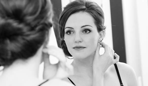 woman-mirror.jpg
